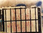 """Serigrafías con los nombres de los militares represores y """"carapintadas"""" revelados contra la democracia, en el monumento de Plaza Congreso.  (se alcanza a leer Massera y Mayol)"""