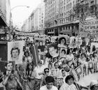 Última marcha de Madres de Plaza de Mayo bajo la dictadura